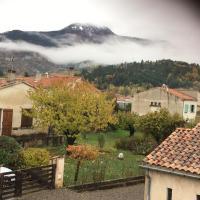 T2 dans une maison, hotel in Digne-les-Bains