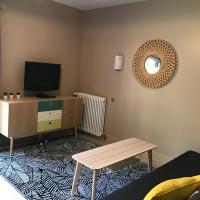 logement avec accès piscine, hôtel à Chaumont-sur-Tharonne
