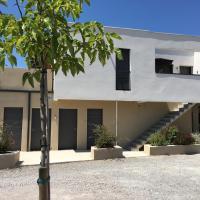 Charmant studio pour étudiant seul ou à 2, hotel in Villeneuve-lès-Maguelonne