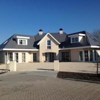 Prive-kamer in villa aan zee, hotel in Dishoek