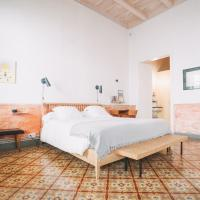 Hotel Singular & Small Hevresac, hotel in Mahón