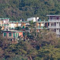 Bhandari Swiss Cottage, отель в Ришикеше