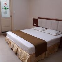 Shine Comforts, hotel in Hospet