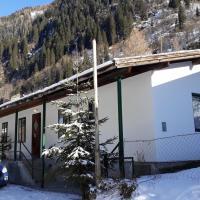 Chalet Stubach 80, hotel in Uttendorf