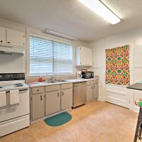 Cotton District Home - Walk to MSU, Shops and Cafes!