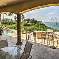 Luxury Del Rio Home with Pool and Lake Views!, hotel in Del Rio