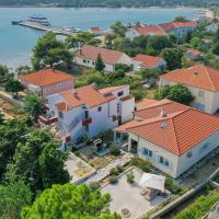 Seaside house for families with children Ist - 16291, hotel in Ist