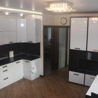 Апартаменты с 2-мя спальнями в центре Академгородка