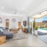 Brand New PRIZE HOME 50m path to beach, hotel em Casuarina