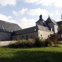 Comfortable Holiday Home near Forest in Macon, hôtel à Mâcon