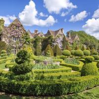 World Famous Abbey House Gardens, hotel in Malmesbury
