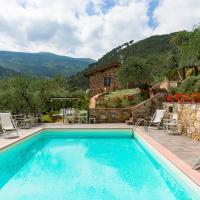 Vorno Villa Sleeps 8 with Pool Air Con and WiFi, hotel a Vorno