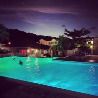 Superbe studio de standing à 800m de la mer des Caraïbes le hameau de beauregard sainte anne, hotel in Sainte-Anne