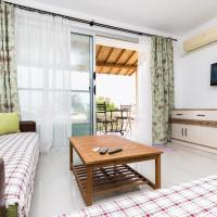 Luxury Three-Bedroom Apartment with Sea View A3