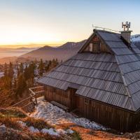 Chalet Gorenjka - Velika planina, hotel in Stahovica