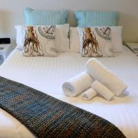 THE TIN SHED Couples accommodation at Bay of Fires, hotel in Binalong Bay