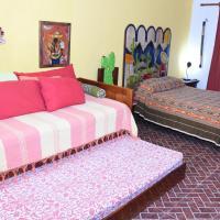 Cancun Guest House 2