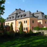 Pałac Książęcy we Wleniu, hotel in Wleń