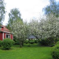 Huoneisto omenapuiden katveessa, hotel in Kankaanpää