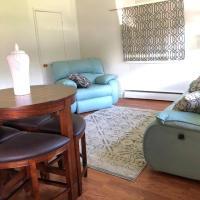 Garnet Private Room in Shared Home Near Glacier