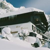 Haus Theresia, hotel in Langen am Arlberg