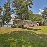 Lake Sinclair Waterfront Home with Fire Pit&Dock