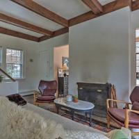 Enchanting Hudson Valley Cottage Near Hiking!, hotel in Garrison
