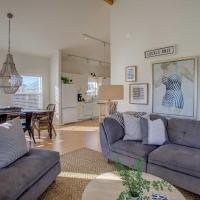 Chic Summer House Cottage 2 Blocks to Ocean
