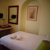Aron Guesthouse, hotel in Brentford