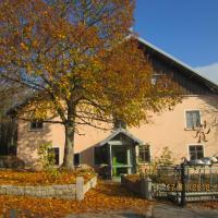 gite 9 places La Dolèze, hôtel à La Sommette