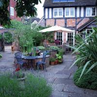 Quiet Courtyard Cottage near Birmingham airport, NEC, Resorts World