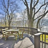 Waterfront Skaneateles Lake Home with Beach!, hotel in Homer