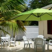 Maclura Residence