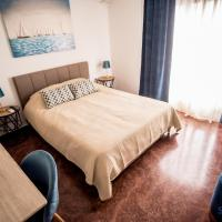 Explore Greece from Lovely City Centre Apartment, hotel in Chalkida