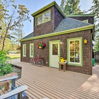 Port Townsend Cottage Mins from Wineries and Golf, hotel in Port Townsend