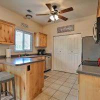 Kanab Condo with Pool and Patio, 30mi to Zion NP!