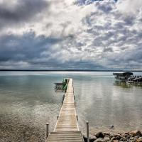 Charming Higgins Lake Cottage with Shared Dock!