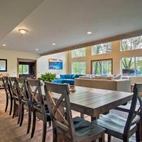 Large Home with Hot Tub - Walk to Lake Michigan!, hotel in Whitehall