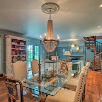 Stunning Home by the Delaware River with Hot Tub!, hotel in Stockton