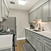 Stylish 1BR Apt Perfect for Couple's Getaway A4, hotel in Lakeview, Chicago
