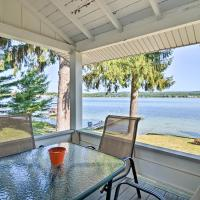 Petoskey Waterfront Cottage with Deck & Grill!, hotel in Petoskey