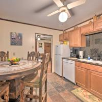 Lone Star State Home with View, Modern Amenities, hotel in Hempstead