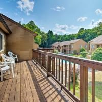 Lincoln Condo with Pool Access, 6 Mi to Loon Mtn