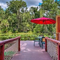 Riverfront Orlando Area Cabin in Wekiwa State Park, hotel in Apopka