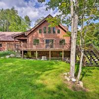 Private Chester Home with Deck, Mins to Skiing!, hotel in Chester