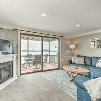 Oceanfront Salem Condo with Deck, Walk to Beach
