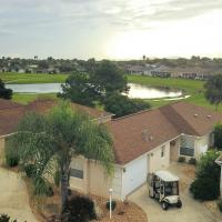 House on Golf Course - 2 half Miles to Lake Sumter!, hotel in The Villages
