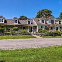 Remote Lyndon Farmhouse - 10 Acres, Stepping Stones, hotel in Lyndon