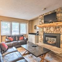 Slopeside Boyne Mtn. Condo, 3Mi to Deer Lake!, hotel in Boyne Falls