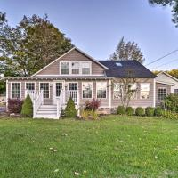 Charming Home Steps from Lake George with BBQ!, hotel en Diamond Point